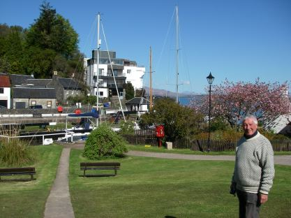 The loch and hotel, Crinan