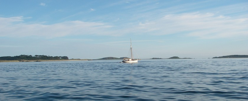 Leaving the Scillies, Tresco in the background