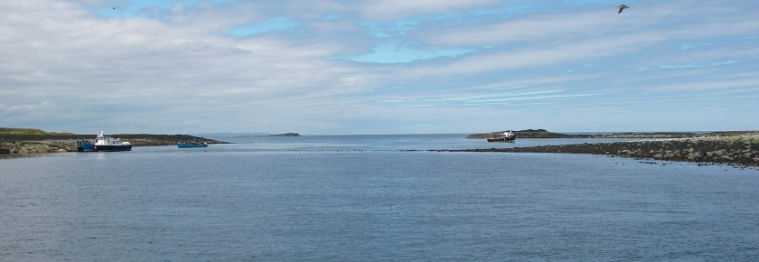 Anchorages at the Farne Islands, either side of the bar that runs between the two promotories.