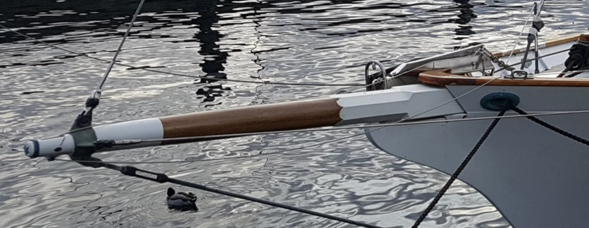 Bowsprit – pronounced  bow, bo' or bogh?